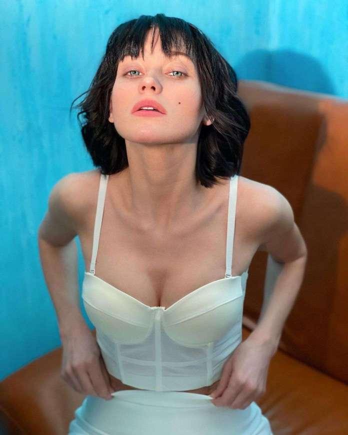Kristina Asmus sexy