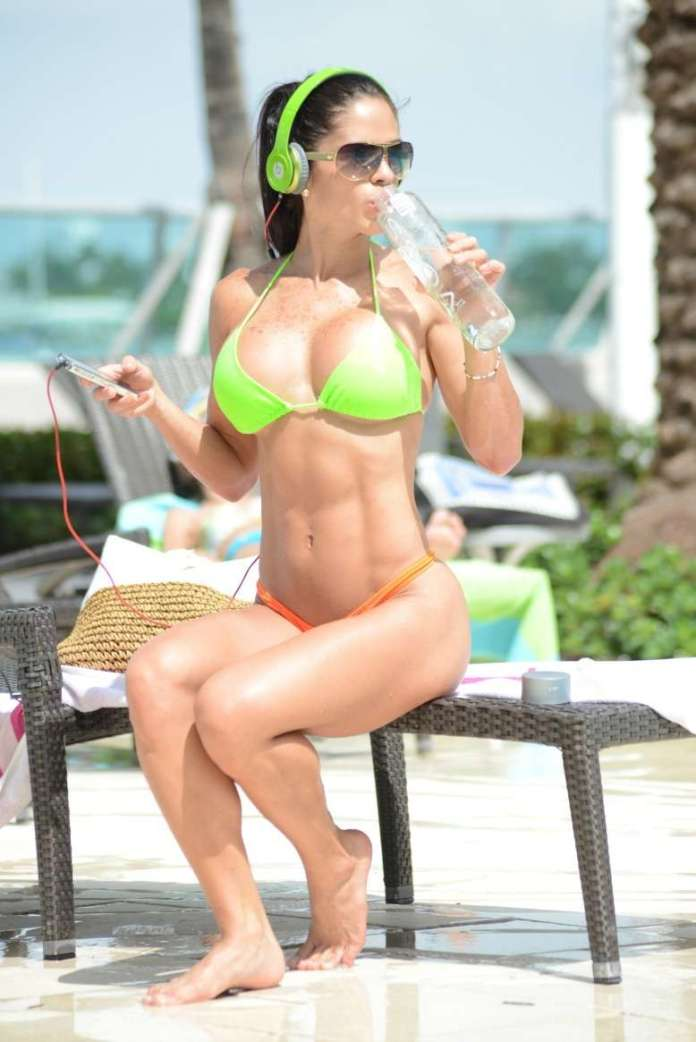 Michelle Lewin sexy look