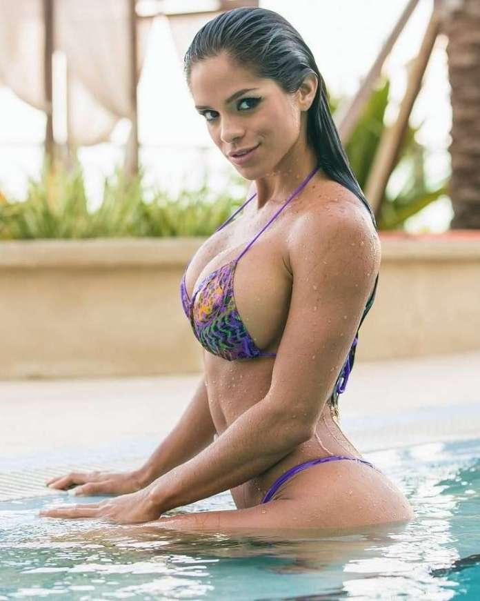 Michelle Lewin sexy pics