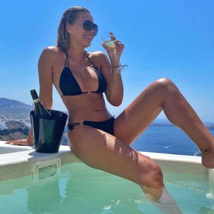 sandra kubicka bikini