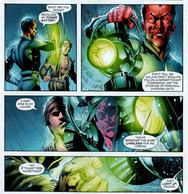 where sinestro keeps his green power battery