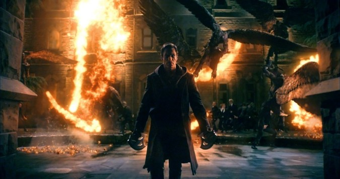 Aaron Eckhart ready for battle in I, Frankenstein