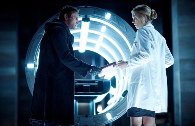 Aaron Eckhart and Yvonne Strahovski in I, Frankenstein