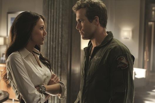 Blake Lively as Carol and Ryan Reynolds as Hal in Green Lantern