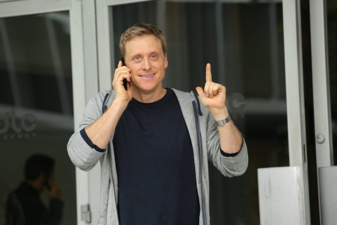 Alan Tudyk in Con Man