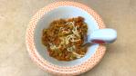 noodles com carne e vegetais