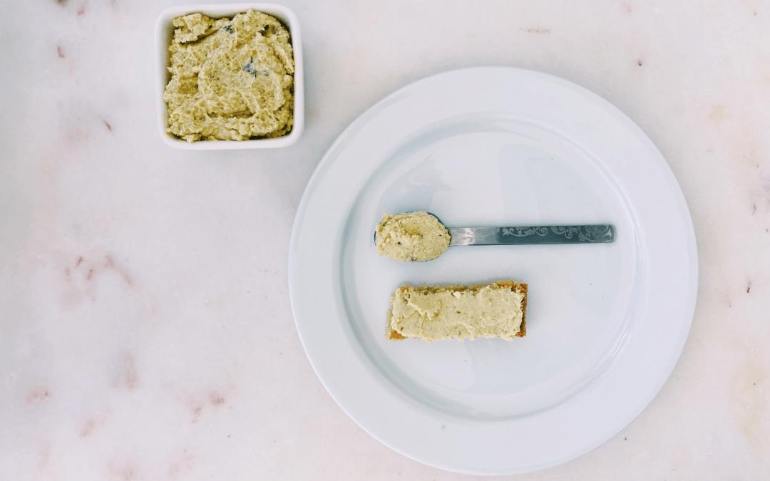 Paté de tofu e grão-de-bico (rico em ferro)