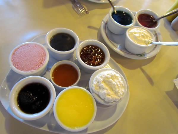 cafe-colonial-tiroles-geleias
