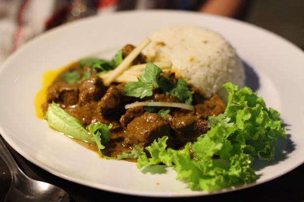 spice-garden-indian-cuisine-beef-curry