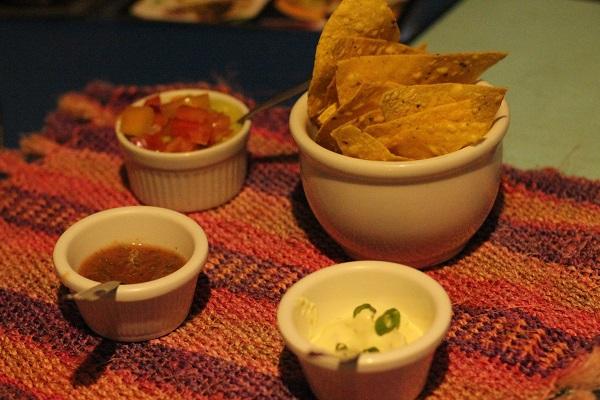 mexicali-couvert-nachos-salsa