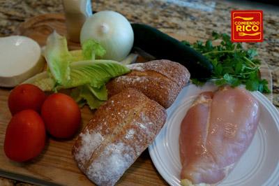 Ingredientes para el sandwich de pollo asado estilo oriental
