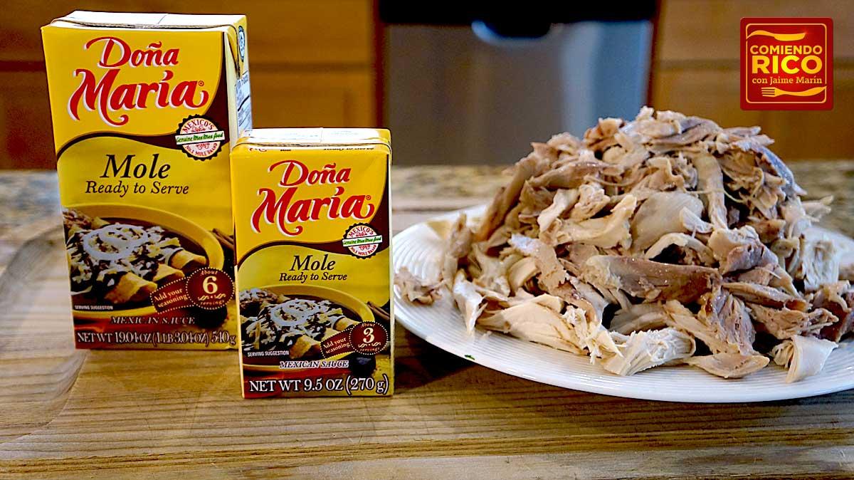 Flautas de pollo con mole - Comiendo Rico