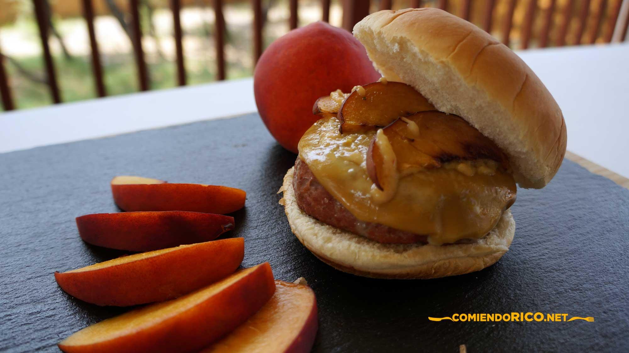 hamburguesa con durazno