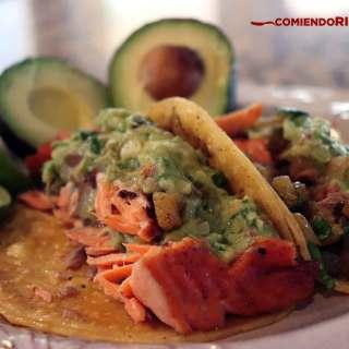 tacos de salmon, tacos de pescado, recetas de cocina, comiendo rico
