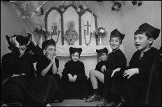 SPAIN. Morella. 1976. Singers to the virgin.