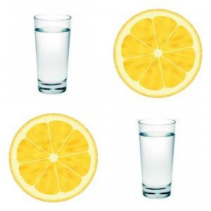 Desayuna agua con limón por las mañanas