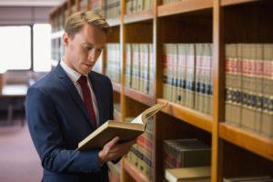 弁護士-728x486