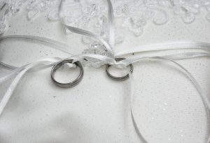 wedding-rings-1578187_1920