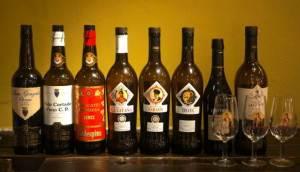 ヤキトリ、ワイン、日本酒、Q