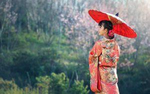 着物を着ているアジア女性