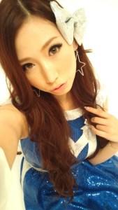 佐山愛のドレス姿