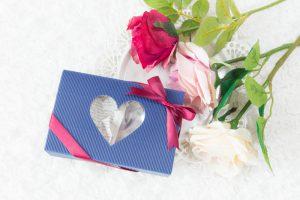 薔薇と青い箱