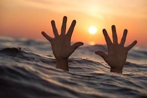 海の夢 溺れる