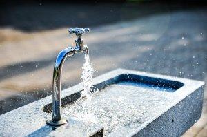 faucet-g37b085947_640