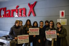 Autoconvocadas de Clarín/Agea en la huelga de mujeres.