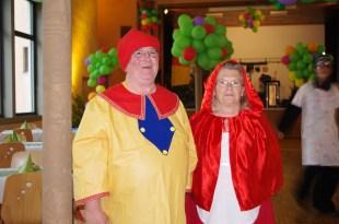 le nain et le chaperon rouge !