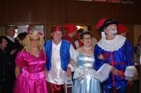 De gauche à droite : la princesse Annick, Aladin, Cendrillon et le chat botté !