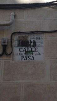 Quem não passa pela Calle de la Pasa não se casa - arquidiocese, onde os casamentos eram oficializados.
