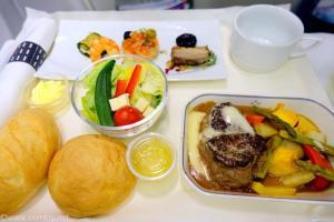 日本航空 JL822 台北(松山)ー 名古屋 ビジネスクラス機内食