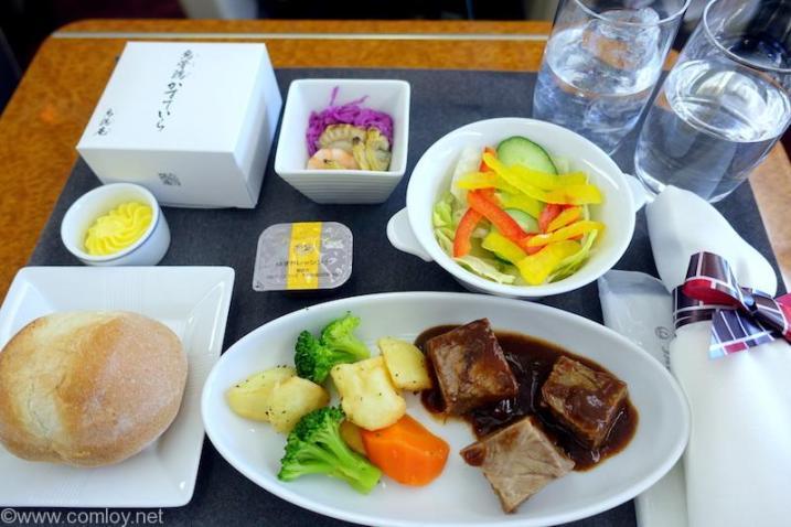 日本航空 JAL915 羽田ー沖縄 国内線ファーストクラス機内食