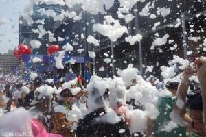 バンコク ソンクラン 泡パーティー