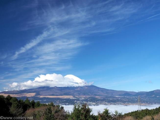 仙石原から御殿場インターチェンジ途中からの富士山