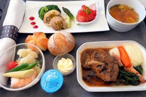 日本航空 JL29 羽田 - 香港 JAL SKY SUITEIIIビジネスクラス機内食
