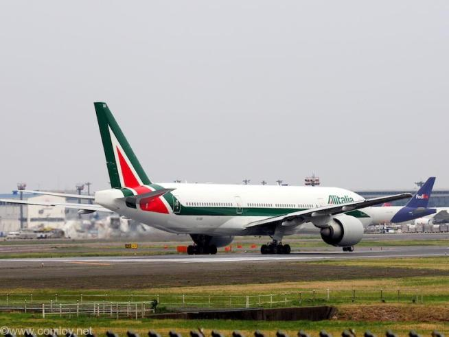 アリタリア航空 ( Alitalia Airlines) B777-200 機体番号EI-ISD 型式Boeing777-243/ER 製造番号32860/439 登録2011/07