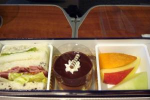 ANA254 福岡 - 東京 プレミアムクラス機内食