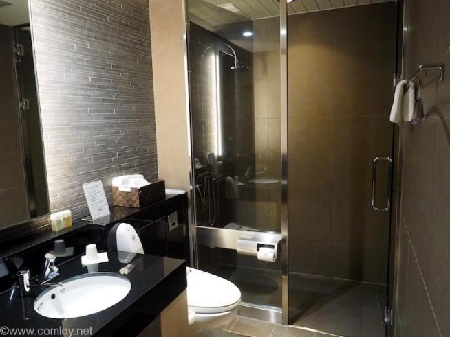 ANA SUITE LOUNGE シャワールーム