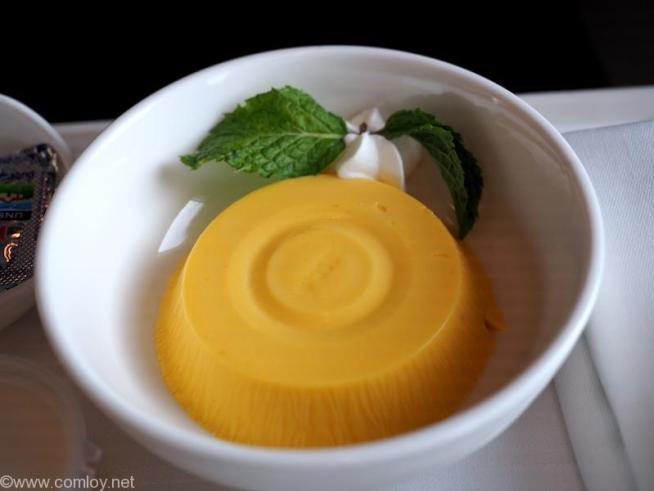 マレーシア航空 MH783 バンコク ー クアラルンプール ビジネスクラス機内食 Thai mango Pudding