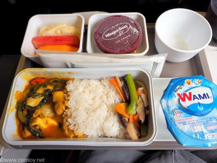キャセイパシフィック CX766 ホーチミン - 香港 エコノミークラス機内食
