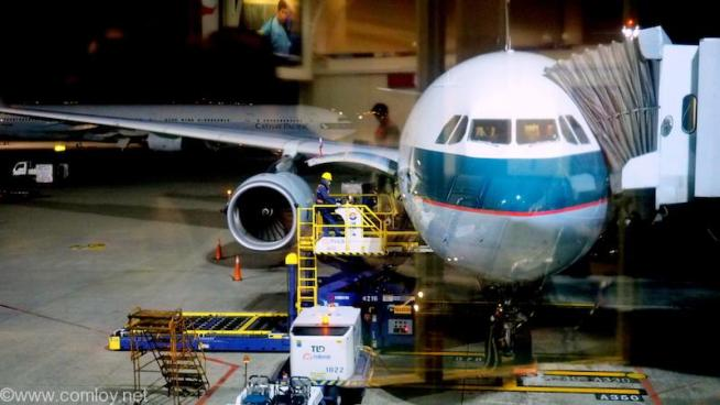 CX470 香港ー台北 B-LBB A330-300 AirBusA220-343X 1436 2013/07(写真は台北到着時)