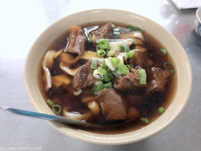 「富宏牛肉麺」の牛肉麺