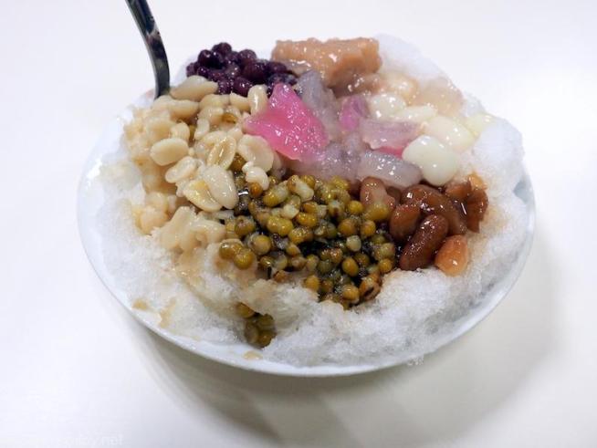 「龍都氷菓」 八寶氷70元