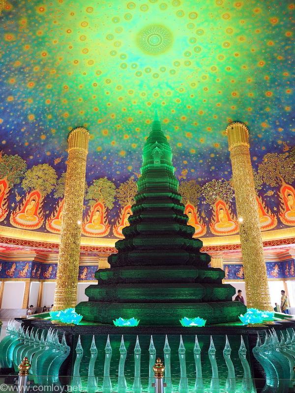 Wat Pak Nam(ワット・パクナム) 緑ガラス仏塔と天井画2