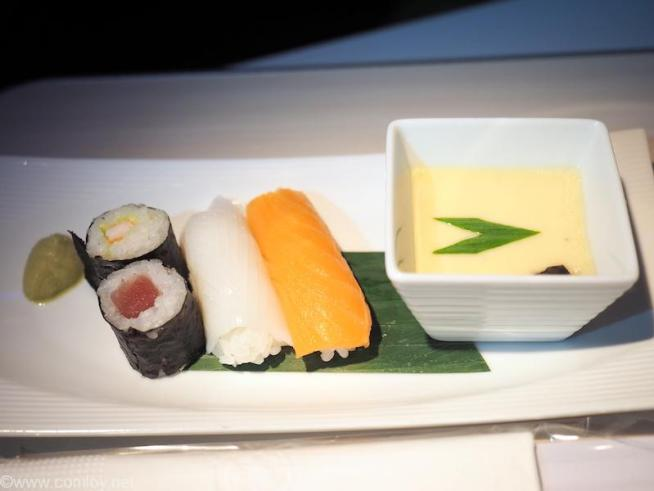 日本航空 JL34 バンコク - 羽田 ビジネスクラス機内食 お寿司 寿司盛り合わせ 茶碗蒸し