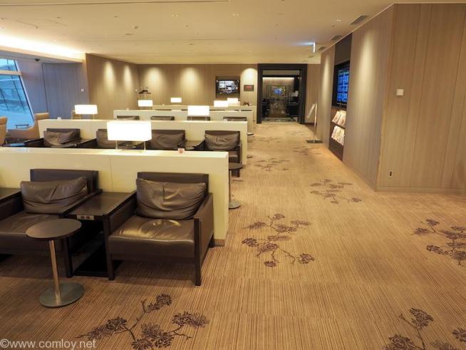 羽田空港 日本航空ファーストクラスラウンジ 室内3