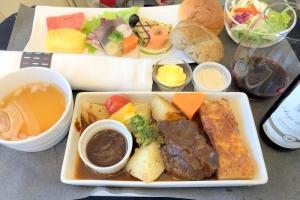 日本航空 JL814 台北(桃園) - 関西 ビジネスクラス機内食