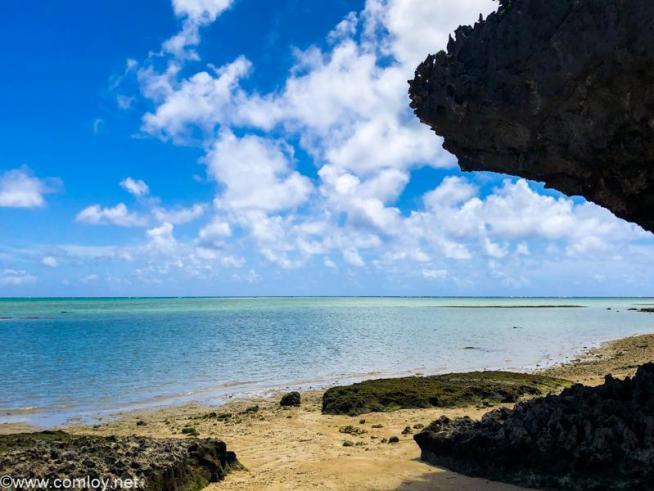 沖縄のどこかの海